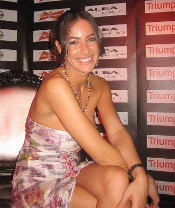 Melita Toniolo tassista sexy in un film per Sky
