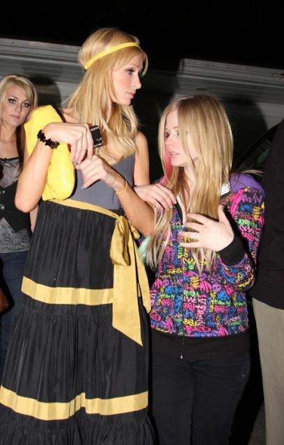 Paris Hilton ed Avril Lavigne ancora insieme ad una festa