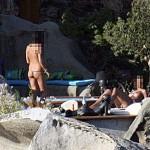 Le foto segrete e piccanti di Berlusconi a Villa Certosa