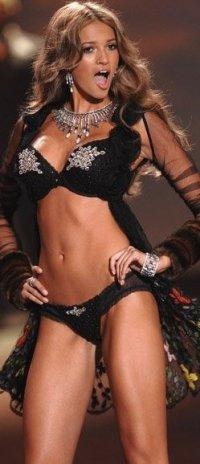 Victoria's Secret ha eletto il nuovo angelo, è Kylie Bisutti